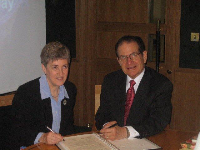 Dr. Raymond Orbach and Lynne Brindley